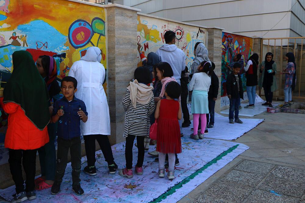 دیوار آرزوهای کودکان شهر